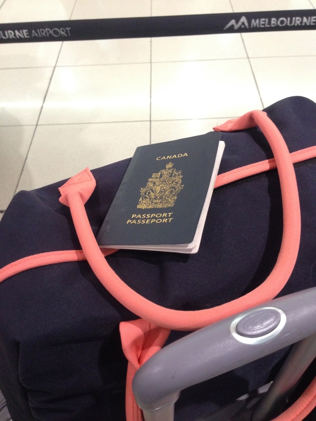 melbourne airport passport luggage bags australia travel to america hawaii