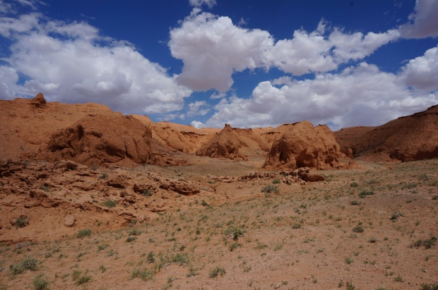 flaming cliffs bayanzag mongolia travel gobi desert tour
