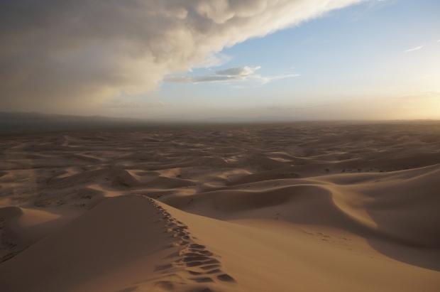 sand dunes mongolia travel gobi desert tour
