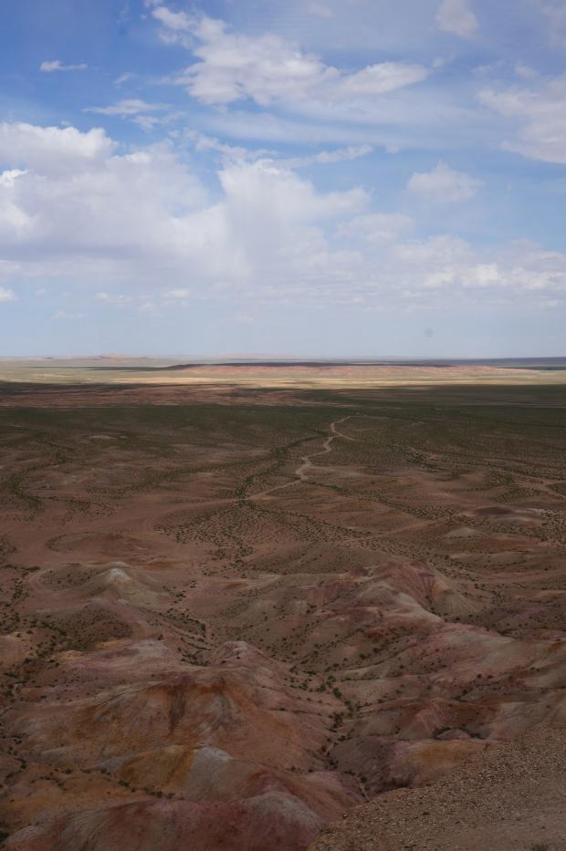 tsagan suvarga painted desert gobi desert mongolia travel